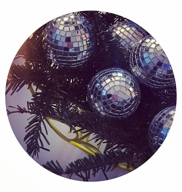 and so it begins…disco dancing into december!? look for more posts with some of our favorite holiday decorating tips#iEprotip : sprinkle in sparkly decorations that will carry you into the new year. this gives you an excuse to leave up some [or all] of it till 2019, or just pack up a little at a time? #iEholidaydecorating #iEmagic #iEevents #designpossible #planpossible #eventpro #iEproduction #IEworkperks #iEdraping #iEeventplanning #iEdesign #inventivevents #inventivenvironments #iE
